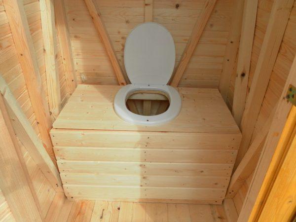 Строим туалет на даче самостоятельно