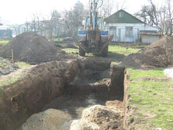 Бассейн на даче: строим самостоятельно