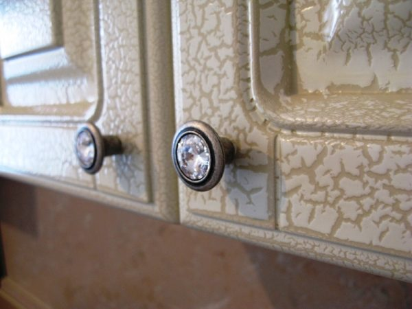 Реставрируем старый шкаф по-современному