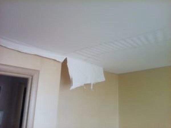 Провисает натяжной потолок: причины