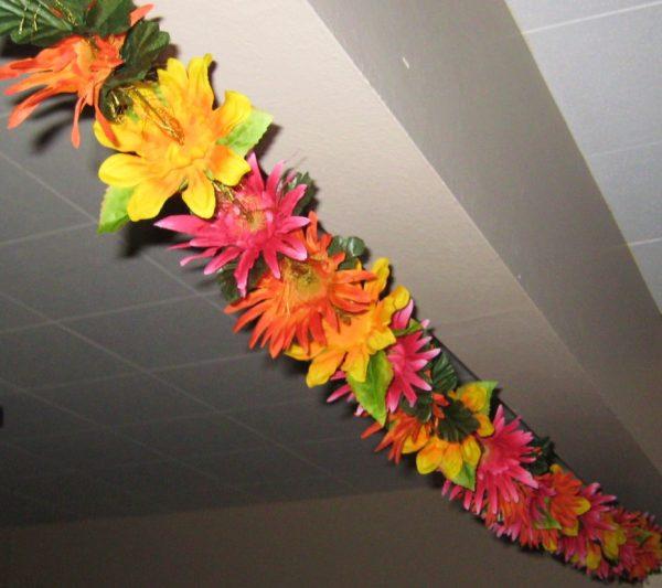 Гавайские гирлянды