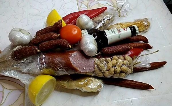 Мужские букеты из продуктов