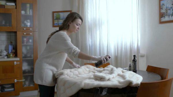 Как самостоятельно почистить меховой воротник