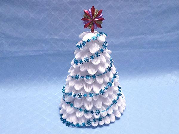 Новогодние елки из ватных дисков