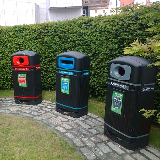 прямоугольные мусорные контейнеры