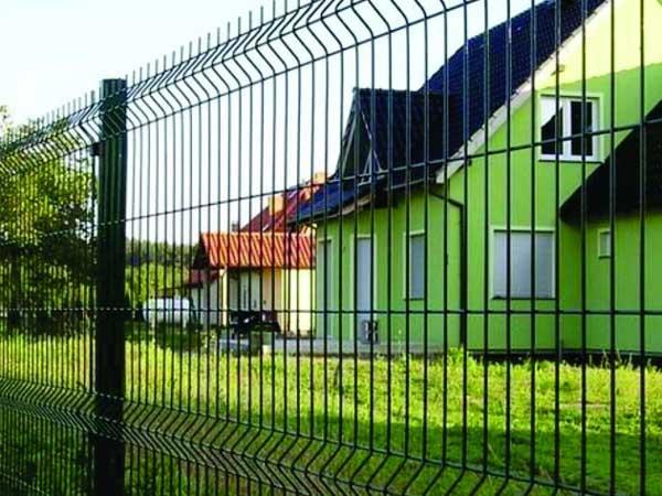 секционный забор прутья