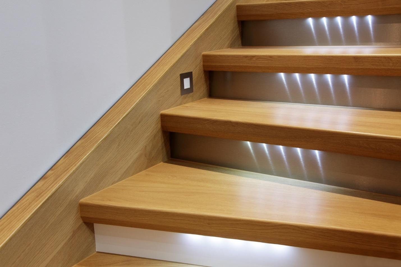 светильники для лестницы