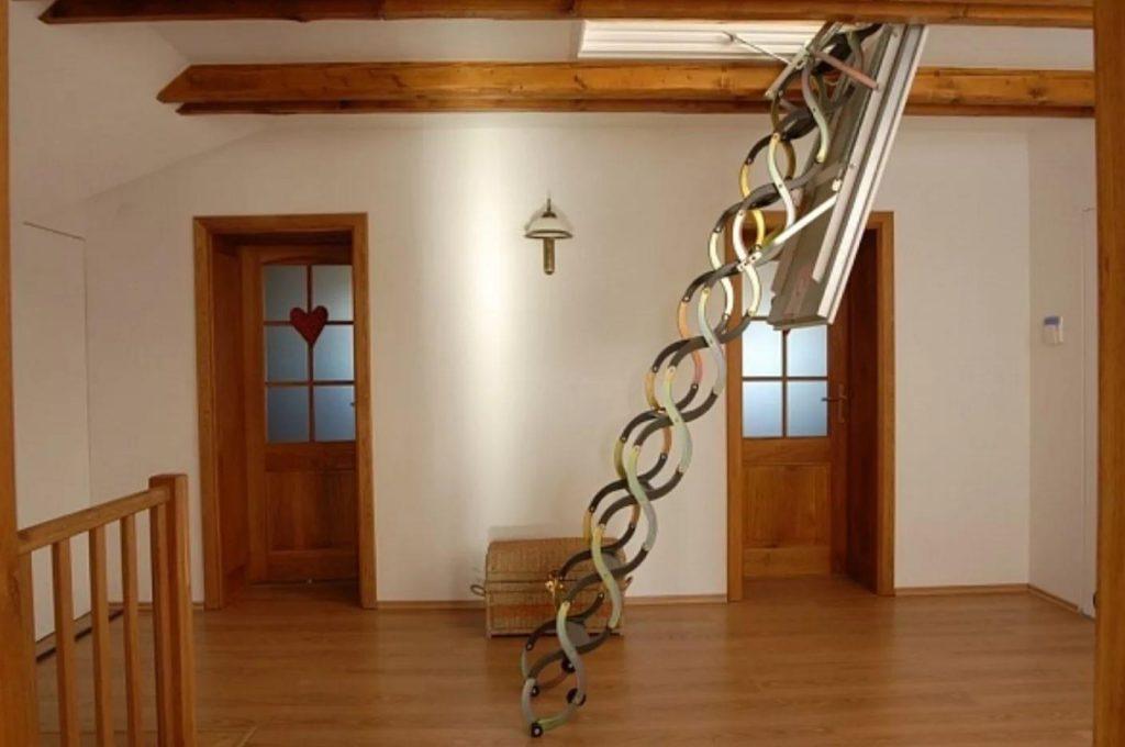 развижная лестница на чердак
