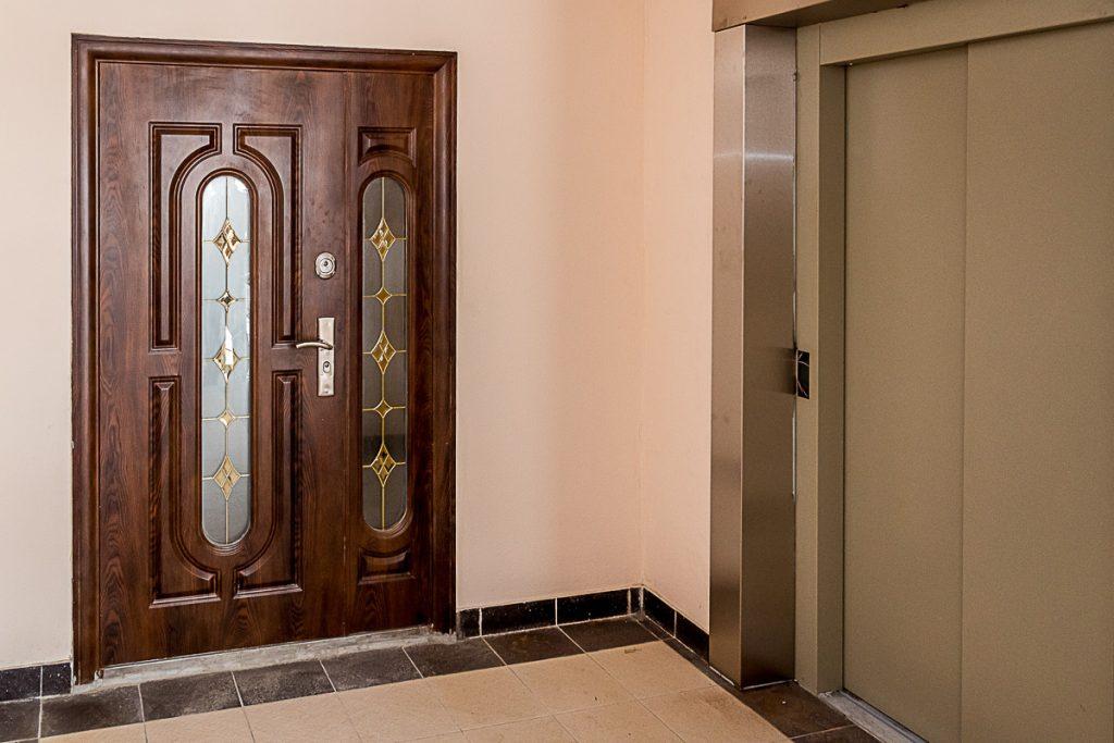 купить тамбурную дверь