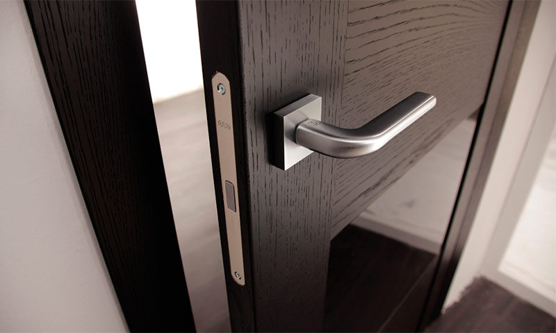 магнитные замки на двери