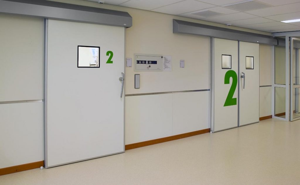 медицинские двери