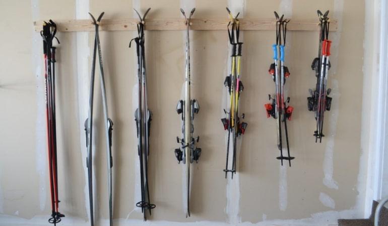 Как и где хранить горные и беговые лыжи или сноуборд
